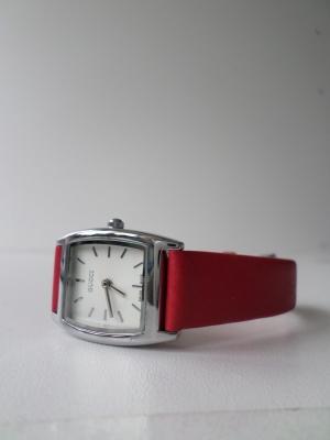 Часы 2747