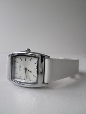 Часы 2749