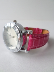Часы 2451